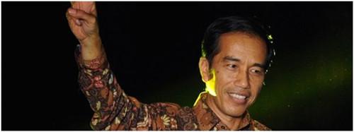 印尼总统坐经济舱赴新加坡参加儿子毕业典礼