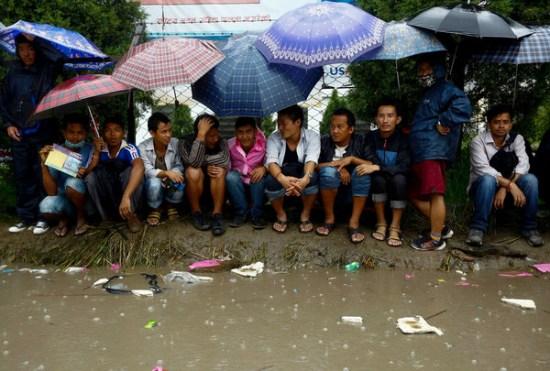 尼泊尔现务工移民潮 打工者用生命换取富裕生活
