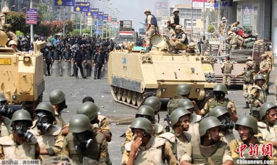 """埃及法院判处180余名攻击警察局涉事者""""死刑"""""""