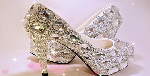 世界最贵女鞋在迪拜展销 一双310万美元