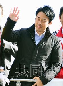 日本朝野推出人气辩手 小泉之子为安倍政府拉票
