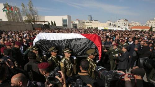 巴勒斯坦部长在巴以冲突中身亡 数千人参加葬礼