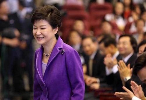 朴槿惠当选韩总统两周年 朝野对执政状况看法不同