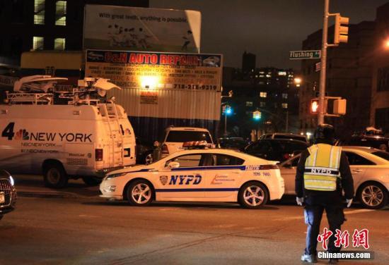 美国警察接连遭枪击:抗议浪潮将警方推向边缘