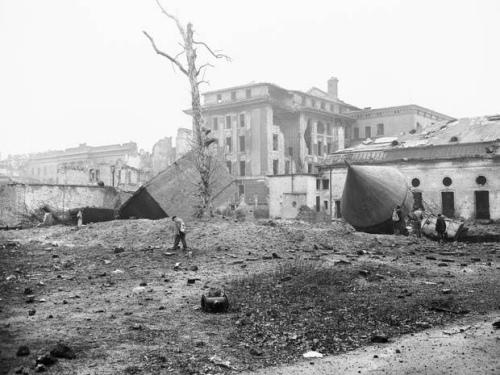 德一博物馆拟重建希特勒地堡 曾复制拉登住宅