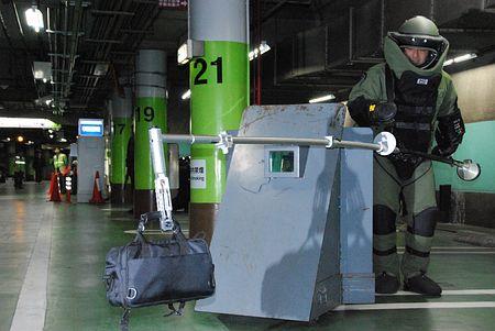 日本警视厅演习处理爆炸物 确保马拉松顺利进行