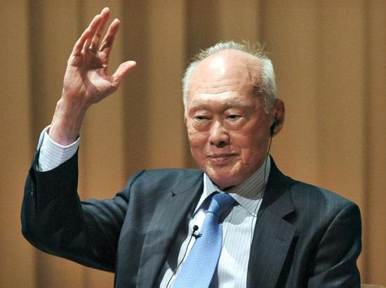 新加坡总理府:李光耀病情恶化