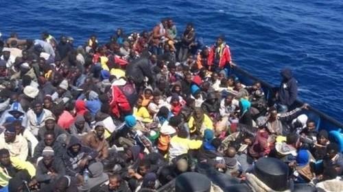 /偷渡客被控将同船者投海遭意大利警方逮捕
