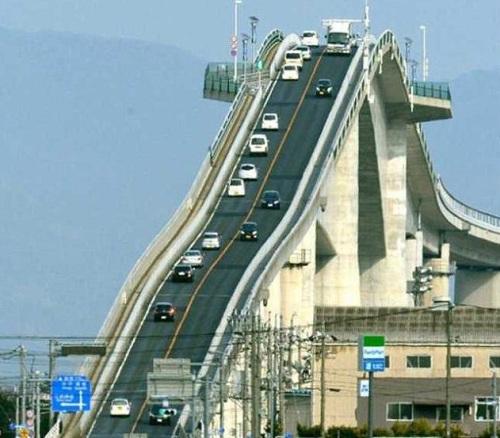 过桥还是过山车?日本江岛大桥玩的就是刺激(图)