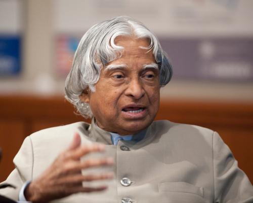 印度前总统卡拉姆逝世享年84岁印度全国哀悼7天