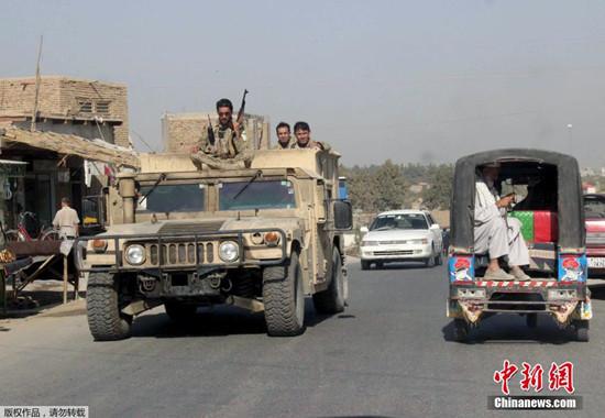 塔利班攻占阿富汗大省昆都士释放500囚犯