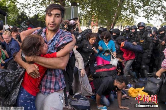 欧盟拟向土耳其提供大规模经济援助解决难民潮