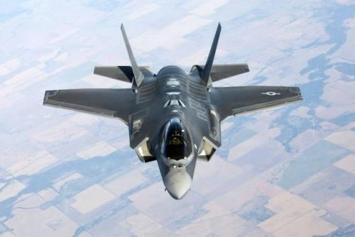 韩空军下一代战机F-35成功完成空中机枪射击试验