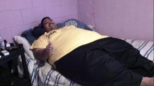 世界最肥胖男子圣诞早晨去世 生前最重达445公斤