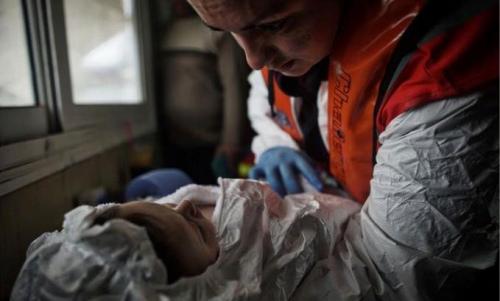 2016年发生首宗难民船意外 2岁小生命葬身大海(图)