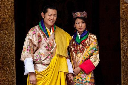 不丹王室传喜讯首位小王储诞生 国王全程在旁陪伴
