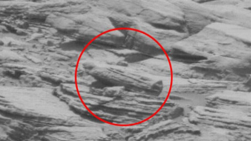 """火星表面疑现""""外星人墓地"""" 似埃及木乃伊石棺(图)"""