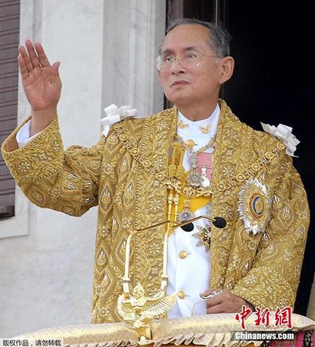 泰国王普密蓬去世泰将进入新国王继位法律程序