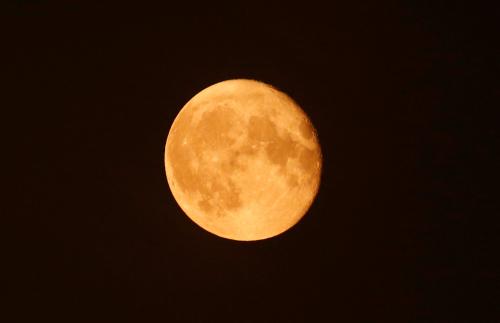 """21世纪最大""""超级月亮""""将出现错过要等到2034年"""