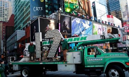 纽约时报广场百万人跨年美出动7000名警察维安