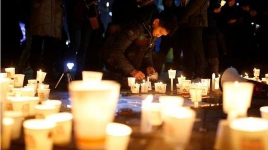 韩民众举行第十轮烛光集会辞旧迎新促朴槿惠下台