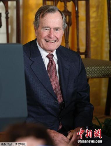 老布什发言人:前总统夫妇病情好转睡眠良好