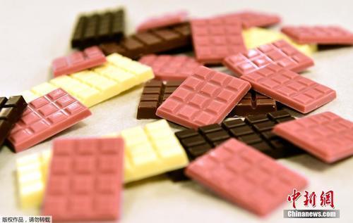 一块放了103年的古董巧克力长啥样?你敢尝么?