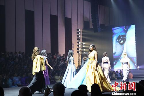 泰丝服装文化展开幕50多国驻泰使节参加