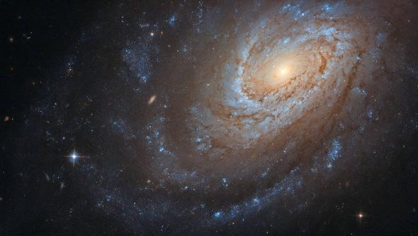 """浩瀚太空也有""""秘密""""?哈勃捕捉螺旋星系影像(图)"""