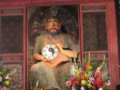 2007年6月20日,摄于甘肃天水伏羲庙.