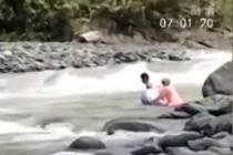 菲律宾一村庄教师渡14条河流上班