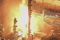 美国西海岸最大炼油厂爆炸后起火