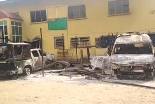 尼日利亚一监狱遭袭 1800多名犯人逃跑