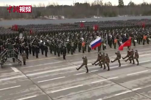 俄罗斯举行胜利日阅兵综合彩排