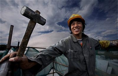农民工的生存状况_新生代农民工城市融入程度较低 地位差距感受强烈——中新网