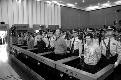 糯康今日在昆明被注射死刑伏法前8警员陪其聊天