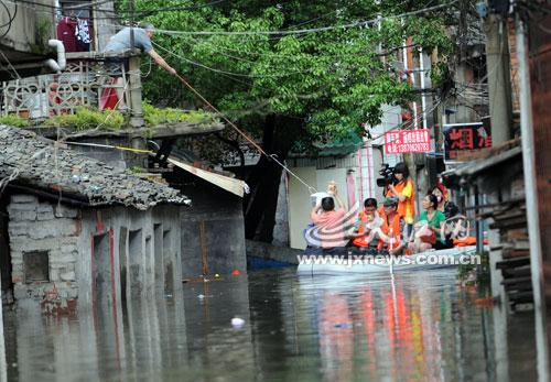 江西暴雨近26万人受灾致经济损失过亿元