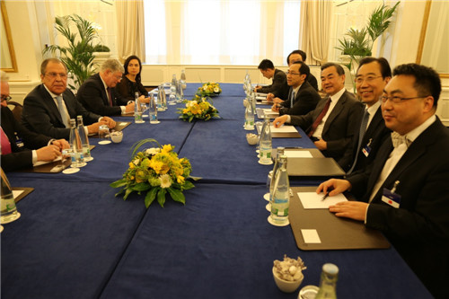 王毅会见俄罗斯外长双方就伊朗核问题交换意见