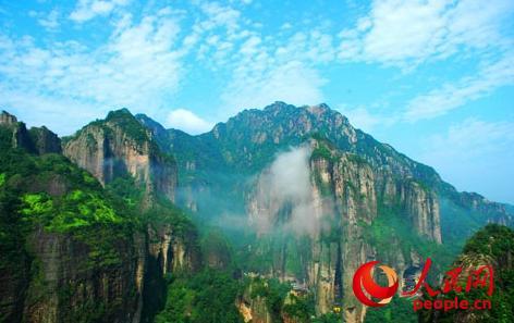 灵峰景区全景(来源:雁荡山风景旅游管理委员会官方网站)