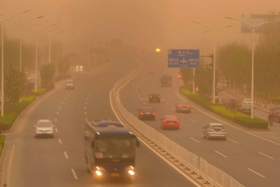 沙尘暴13年后再袭京城各站点PM10浓度破千