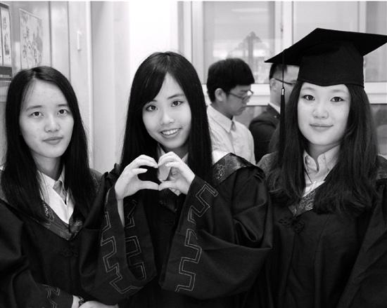 宁波3女生凑成学霸寝室拿到14所国外大学录取通知