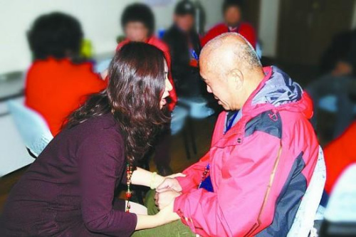 中国失独家庭已超百万个每年新增7.6万家庭(图)