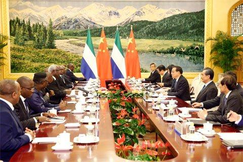 塞拉利昂总统诚谢李克强:中国帮助我们走出埃博拉阴影