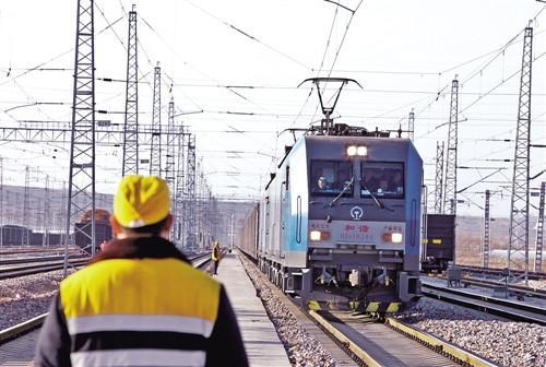 2020年全国铁路营业里程将达15万公里 高铁将推进债转股