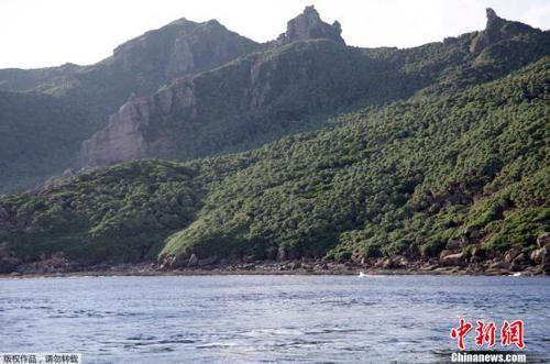 中国海警舰艇编队8月7日在中国钓鱼岛领海巡航