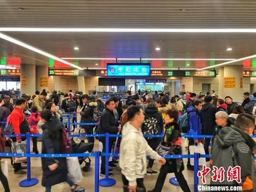 出国买买买!中国出境游人数逼近1.5亿人次