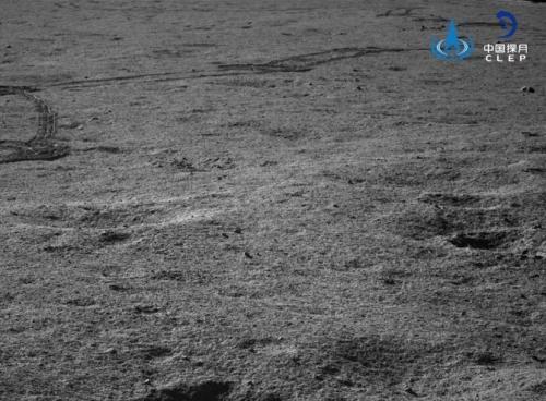 """嫦娥四號著陸器和""""玉兔二號""""巡視器已成功完成第六月晝工作"""