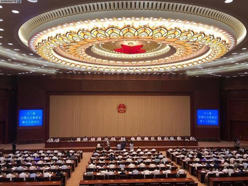 新修订的《中华人民共和国药品管理法》将于12月1日起施行