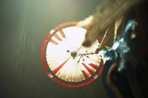 """��家航天局�l布最新火星影像:""""祝融�""""近距�x""""看""""降落�闩c背罩"""
