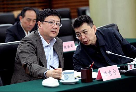 """境外媒体:中国新环保部长点燃环境治理""""三把火"""""""